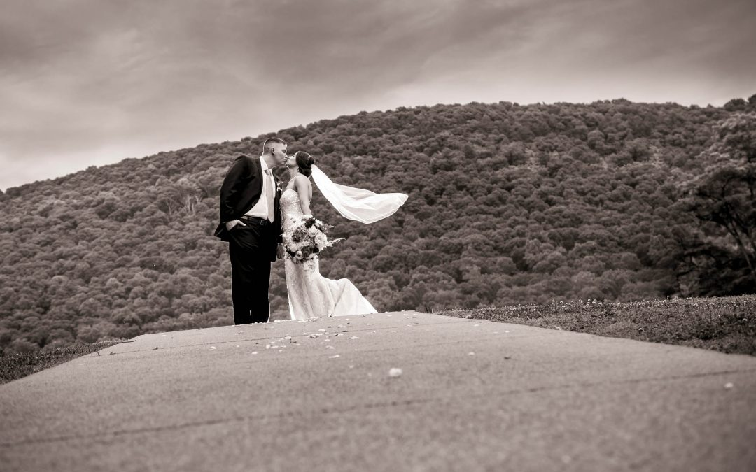 Irene & Drew – Raystown Lake Wedding Photography